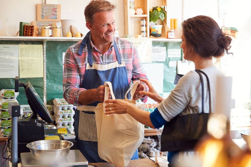 4 Tips on How to Earn and Maintain Customer Trust
